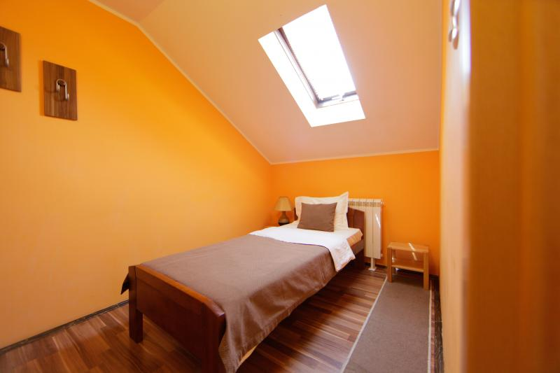 Room 2 | Accommodation, Konak Mikan Belgrade